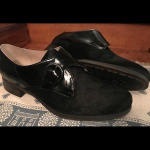 CLARKS MONK BUCKLE LOAFER LEATHER & COWHIDE NWT 8